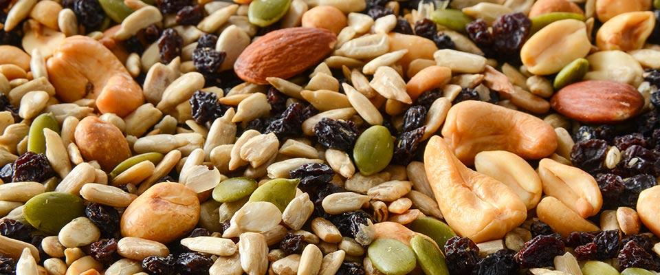 Mixed Nut Seeds & Dried Fruits  100 g